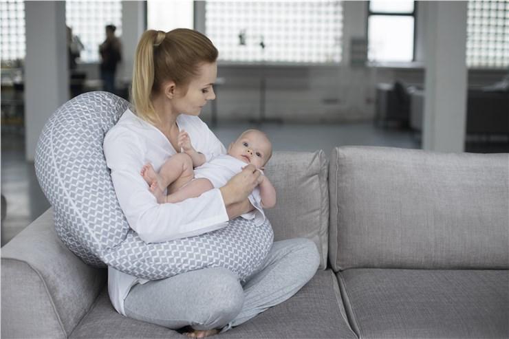 Motherhood Sleepy-C Maternity Support Pillow Classics Grey kismama pihenőpárna - Brendon - 67594