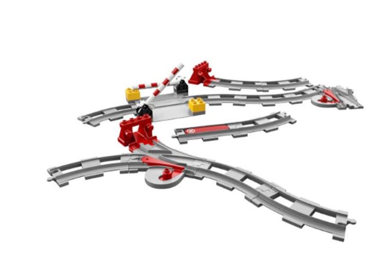 LEGO DUPLO Train Tracks 10882  építőjáték - Brendon - 130990