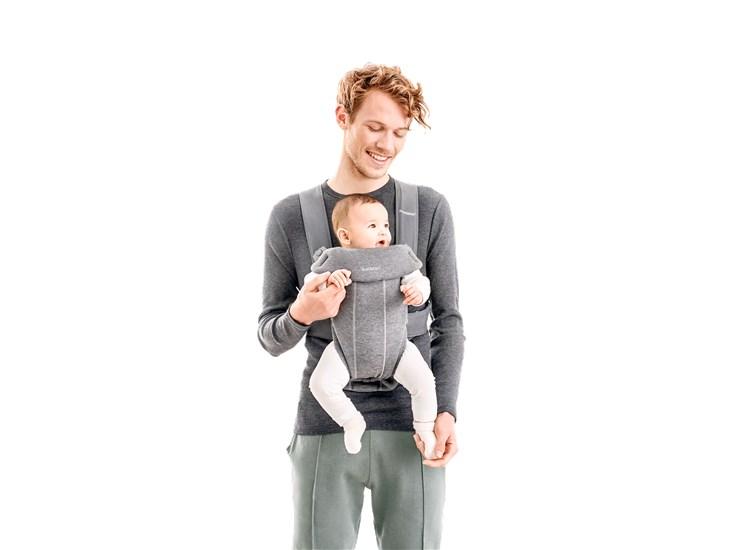 BabyBjörn Mini Light Grey klokanka - Brendon - 134731