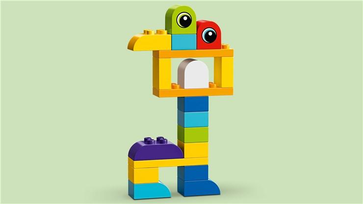 LEGO DUPLO LEGO Movie 2 Emmet&Lucy's Visitors 10895   építőjáték - Brendon - 22147001