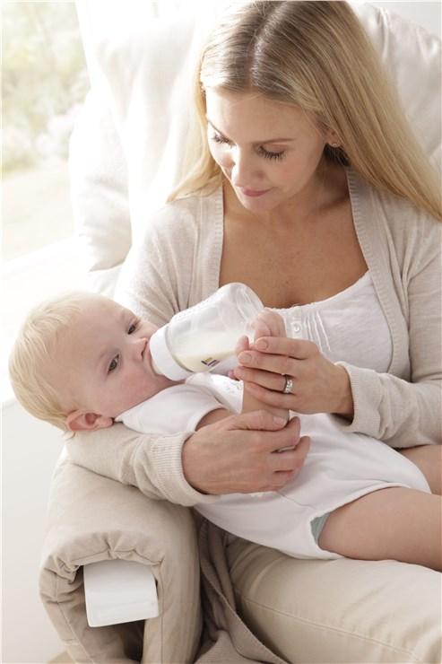tutti Bambini Recliner Glider White-Cream kreslo na kojenie - Brendon - 22744102