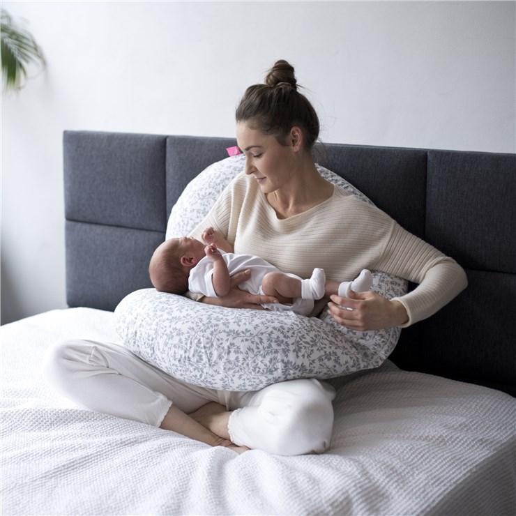 Motherhood Sleepy-C Maternity Support Pillow Grey Branches vankúš na odpočívanie pre mamičky - Brendon - 23071202