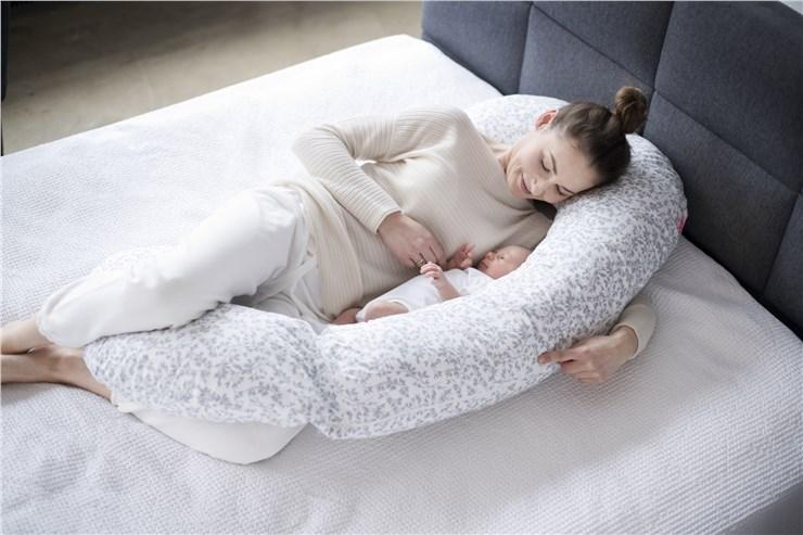 Motherhood Sleepy-C Maternity Support Pillow Grey Branches vankúš na odpočívanie pre mamičky - Brendon - 23071402